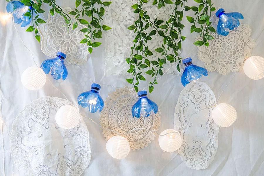 גרילנדות פרחים מבקבוקי פלסטיק
