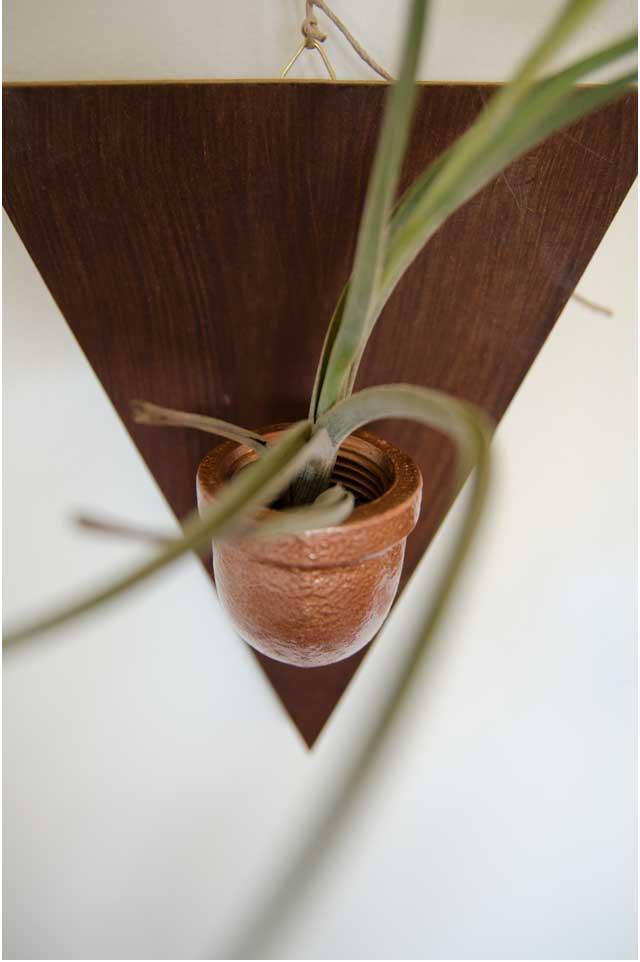 איך להכין עציץ עומד מצינורות והדרכה להכנת מתלים דקורטיבים לעציצים לצמחי אוויר