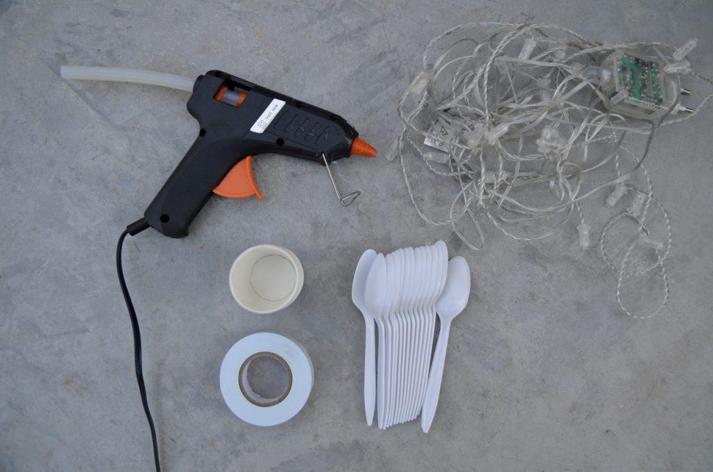 מה שצריך להכנת שרשרת נורות מכפיות פלסטיק