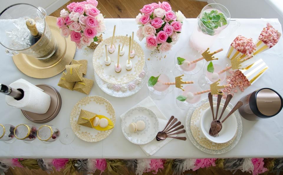 שולחן ערוך למסיבת רוז-גולד