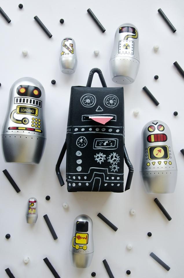 בבושקות רובוט מדליקות מהחנות 'שוקה' ואריזת מתנה מדליקה בצורת רובוט