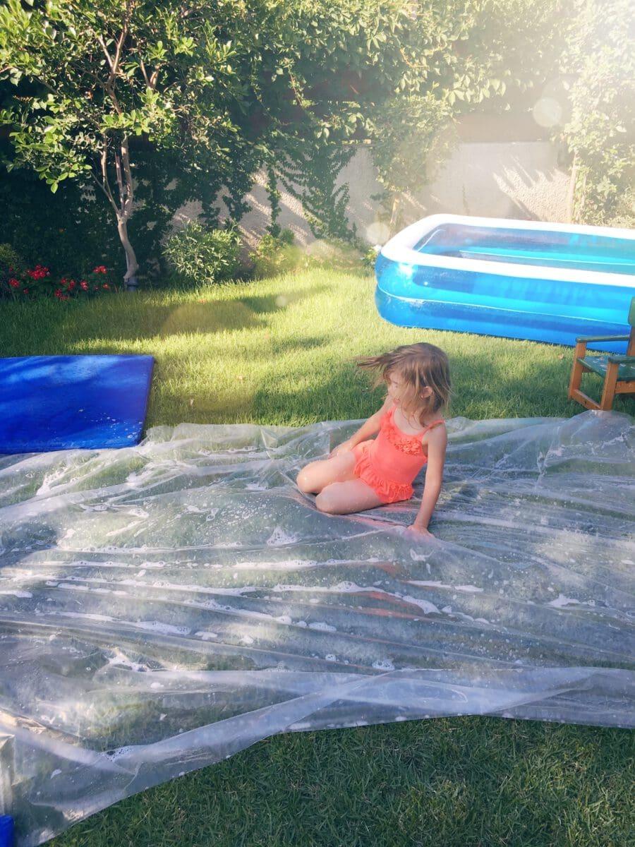 הדרכה למגלשת סבון בגינה, פעילות עם הילדים לקיץ