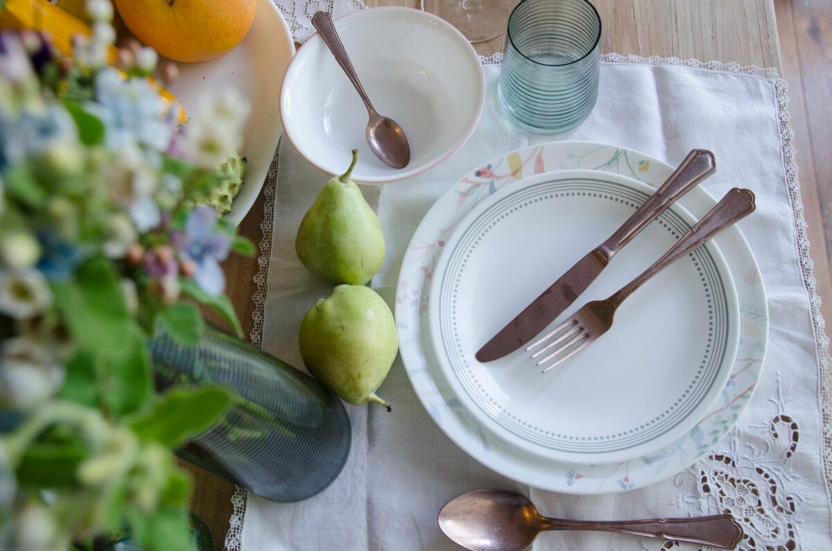איך לערוך שולחן לערוכה חורפית משפחתית