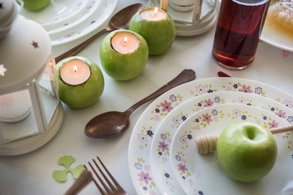 פמוטים מתפוחים, רעיון לעיצוב שולחן ראש השנה