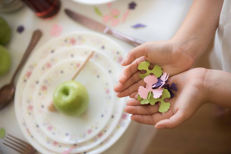 קונפטי פרחים לקישוט שולחן ראש השנה