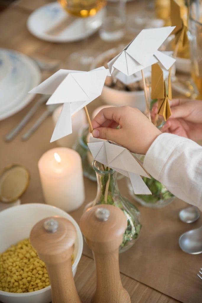ציפורי אוריגמי כקישוט לשולחן ראש השנה