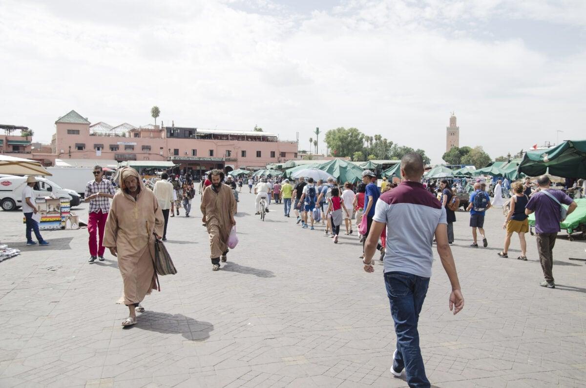 כיכר ג'מעה אל- פנה בבוקר